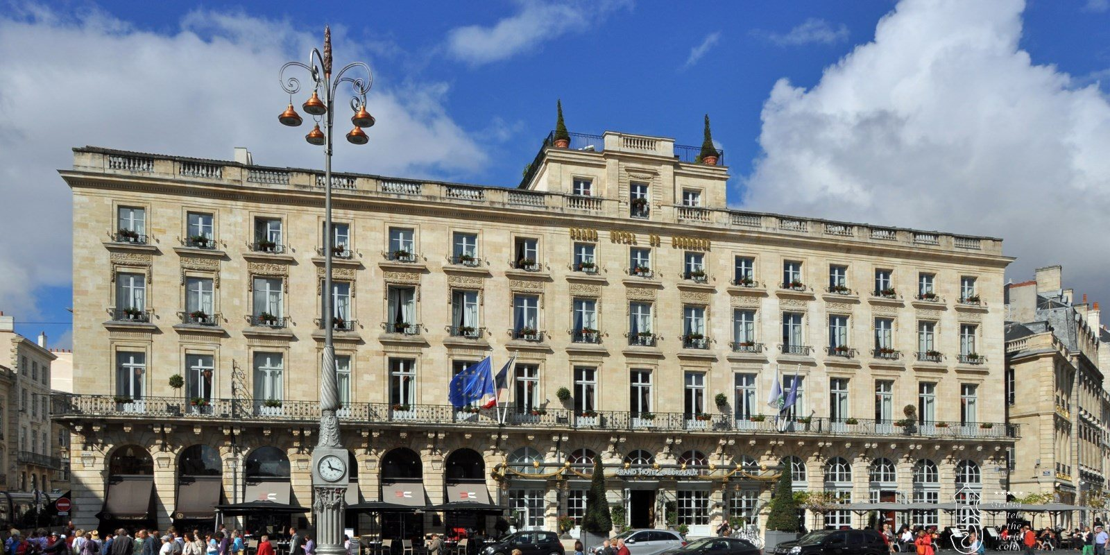 Grand hotel de bordeaux by grand hotels of the for Hotels bordeaux