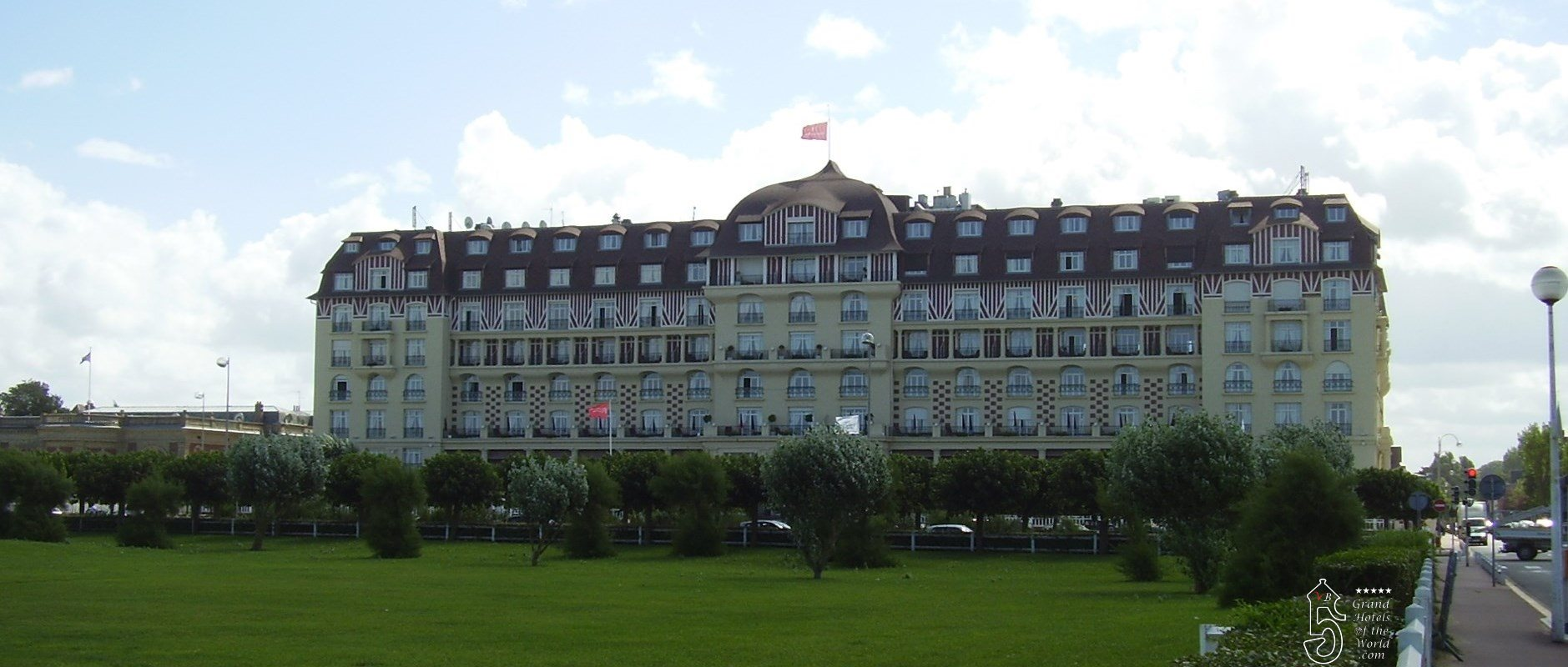 Hotel royal deauville by grand hotels of the for Hotels deauville