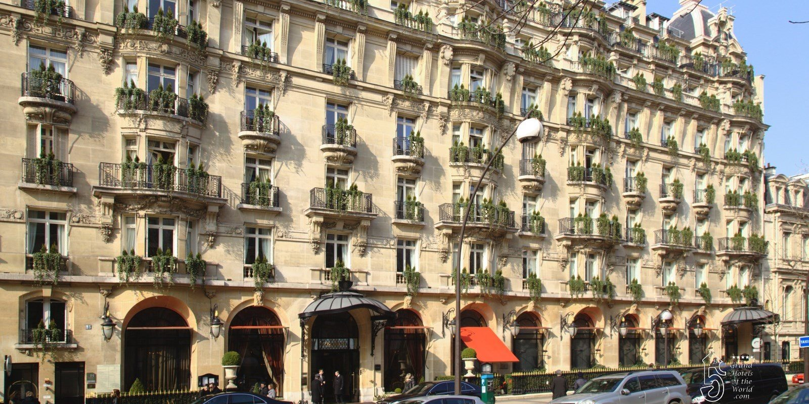 Hotel Plaza Athenée by Dorchester Collection